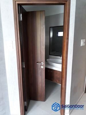 Mẫu cửa gỗ công nghiệp phủ Laminate