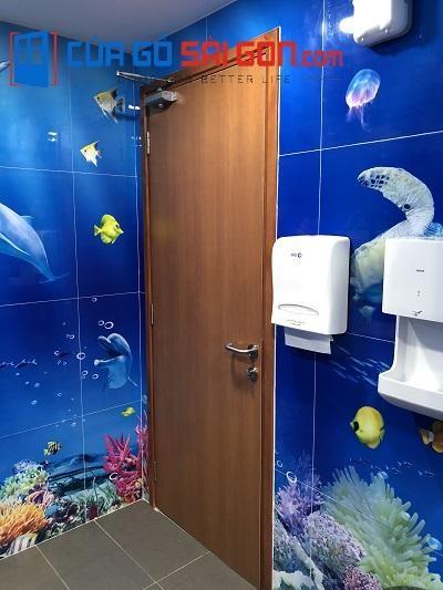 Hình ảnh thực tế cửa nhà vệ sinh tại cuagosaigon.com